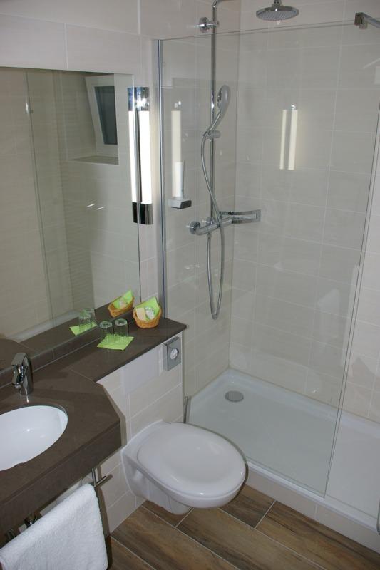 Mit der Hotel Bad Sanierung Neukunden gewinnen