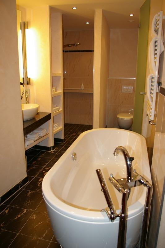 Hotel Bad Sanierungen ermöglichen Kundenbindung und steigende Gewinne